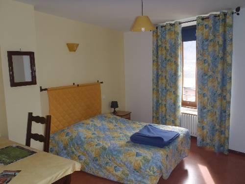 Auberge Le Chardon Bleu : Hotel near Entraigues
