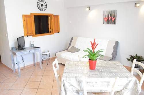 La Combasse : Apartment near Saint-Crépin