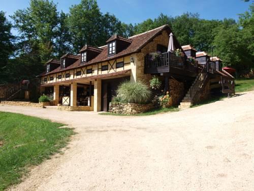 Le Coustal : Guest accommodation near Auriac-du-Périgord
