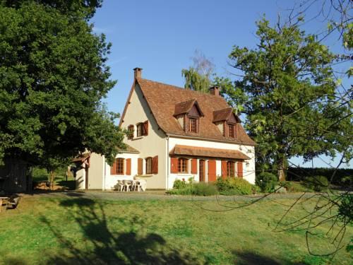 Les Vieux Chênes : Guest accommodation near Saint-Priest-les-Fougères