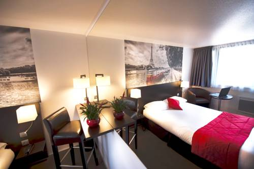 Hotel Pavillon des Gatines : Hotel near Herbeville