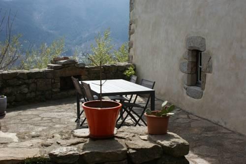 Gîte Laboule pour 4 personnes : Guest accommodation near La Souche