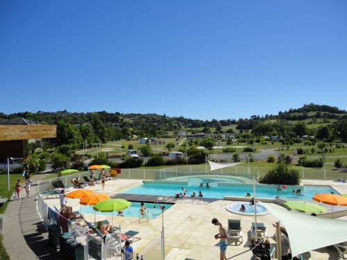 Camping Lot et Bastides : Guest accommodation near Bias