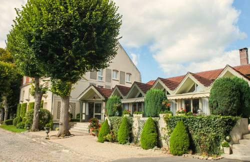 Hôtel Relais d'Aumale : Hotel near Survilliers