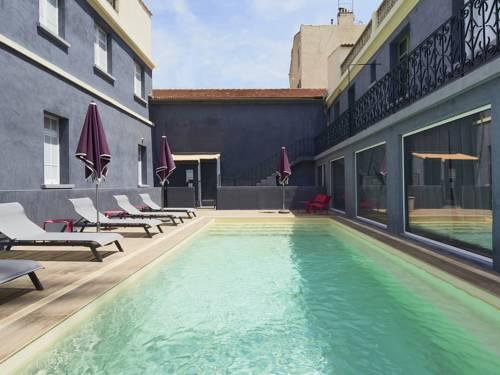 Kyriad Marseille Blancarde - Timone : Hotel near Marseille