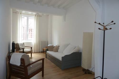 Une Chambre Dans L'atelier De R : Bed and Breakfast near Rouen