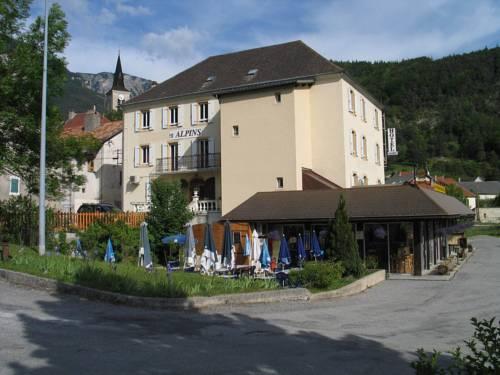 Hôtel Restaurant Les Alpins : Hotel near Montbrand