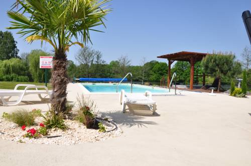 La Maison du Lac : Hotel near Vaumas