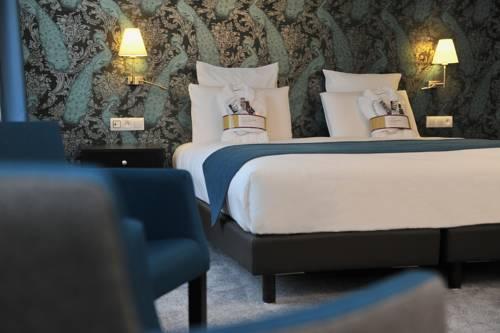 Mercure Paris Saint Cloud Hippodrome : Hotel near Marnes-la-Coquette