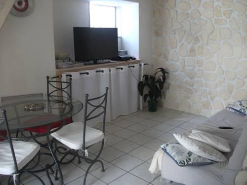 Appartement Spacieux Valsois : Apartment near Saint-Andéol-de-Vals