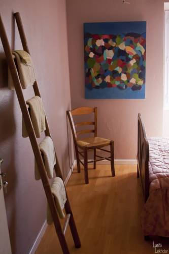 La Maison Bleue : Bed and Breakfast near Saint-Jeannet