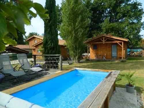 Chambre d'hôtes Larosa : Bed and Breakfast near Avensan