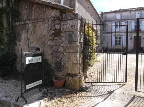 Appartement de la Grange : Apartment near Saint-Estèphe