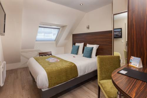 Comfort Hotel Lamarck Paris 18 : Hotel near Paris 18e Arrondissement