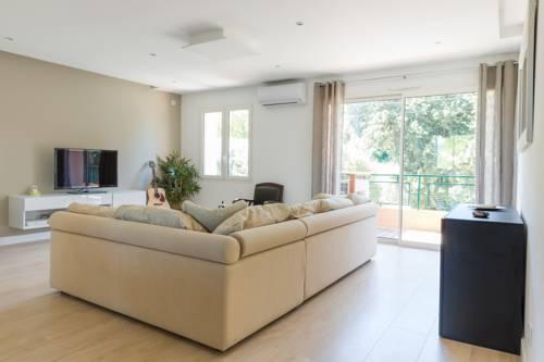 Résidence La Source : Apartment near Toulon