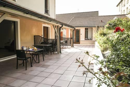 La Ferme Des Barmonts : Guest accommodation near Thiais