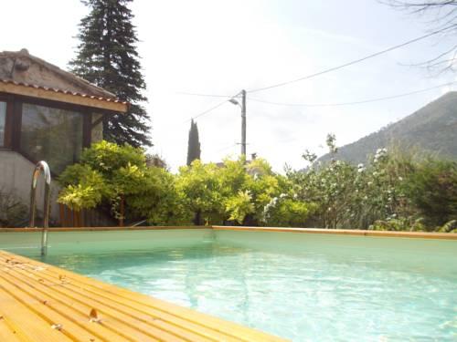 Gîte les Hibiscus : Guest accommodation near Aspremont