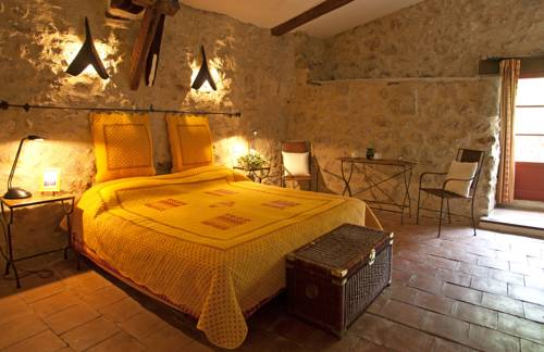 Le Mimosa : Bed and Breakfast near Jonquières