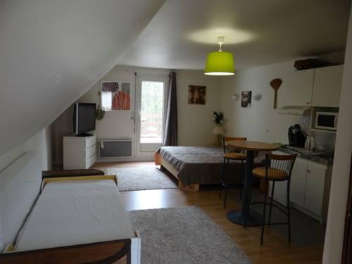 Studio Chantilly : Apartment near Survilliers