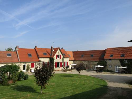 Le Prieuré Saint Paul : Bed and Breakfast near Viry-Noureuil