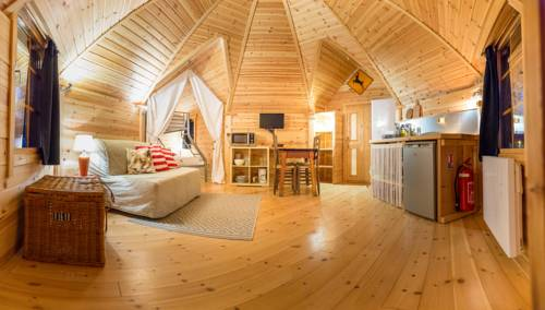 Camping Le Cians : Guest accommodation near Roubion