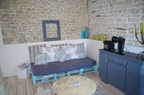 Le Jardin d'Inès : Guest accommodation near Dannemarie-sur-Crète