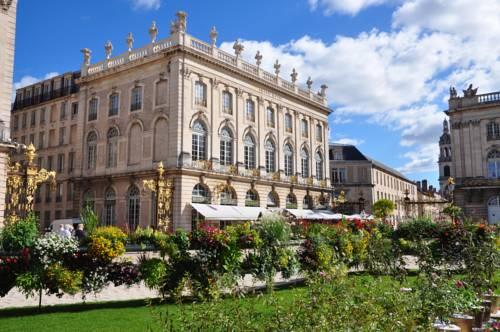 Grand Hotel De La Reine : Hotel near Nancy
