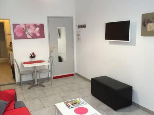 Studio Aub : Apartment near Saint-Privat