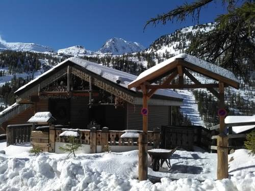 Le Lodge Isola 2000 : Bed and Breakfast near Isola