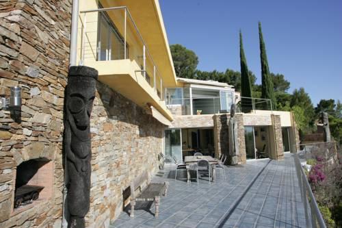 Real seafront villa Fabregas : Guest accommodation near Saint-Mandrier-sur-Mer