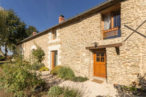 Les Clematites : Bed and Breakfast near La Chevallerais