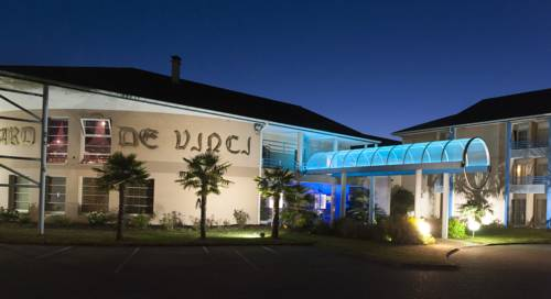 Espace Leonard De Vinci : Hotel near Saint-Vrain