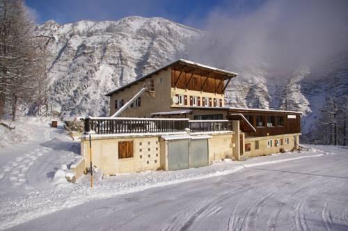 Gite d'étape le Belvédère de Sainte-Anne : Hotel near Saint-Paul-sur-Ubaye