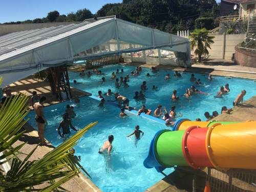 Camping La Kilienne : Guest accommodation near Gommecourt