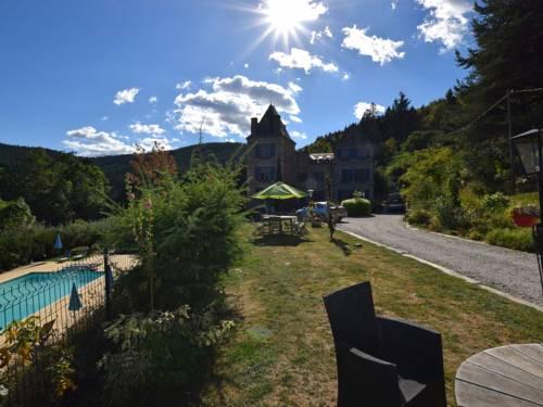 Appartement Chateau en Ardeche La Fleur : Apartment near Saint-Julien-Labrousse