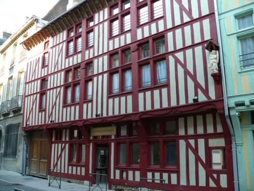 Brit Hotel Comtes De Champagne Centre Historique : Hotel near Troyes