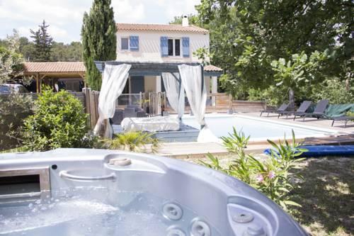 Villa Les Chênes : Guest accommodation near Fuveau