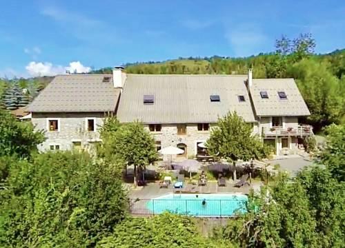 Chambre d'Hôtes La Grange des Ecrins : Guest accommodation near Forest-Saint-Julien