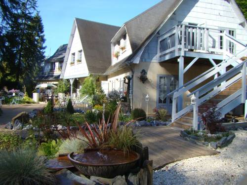 Le jardin de Saint Jean : Bed and Breakfast near Fleury