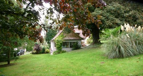 Le Clos de Marenla : Guest accommodation near Offin
