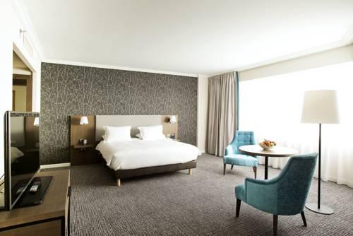 Hilton Paris Charles De Gaulle Airport : Hotel near Survilliers