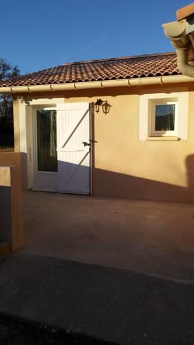 Chambres d'Hôtes Les Maïsses : Guest accommodation near Salignac