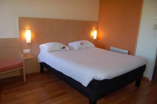 ibis Rouen Champ de Mars : Hotel near Franqueville-Saint-Pierre
