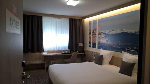 Brit Hotel Le Relais Du Miel : Hotel near Ouzouer-des-Champs