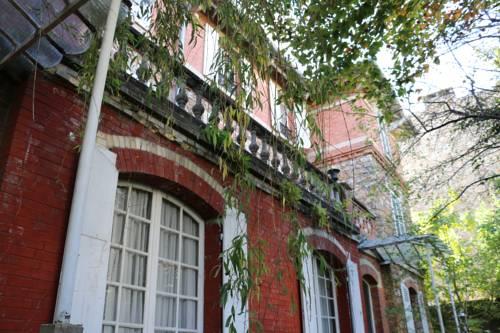 Chambres d'Hôtes Villa Hamlet : Bed and Breakfast near Marnes-la-Coquette