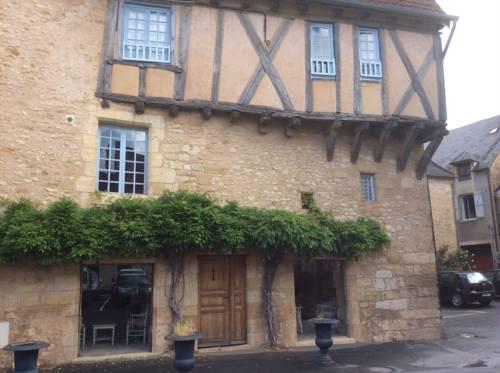 Villa La Roseraie : Guest accommodation near Auriac-du-Périgord
