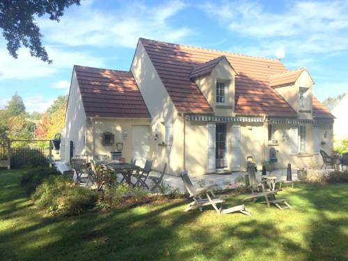 Holiday home Donnery : Guest accommodation near Loury