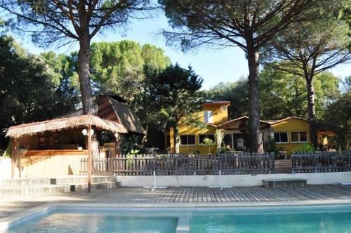 Le Mazet des Cigales : Guest accommodation near Collias