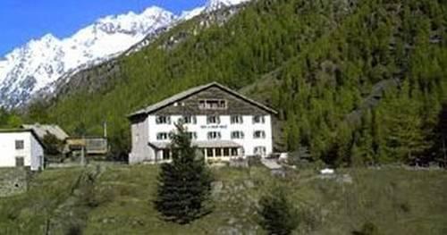 Hotel du Grand Capelet : Hotel near Roquebillière