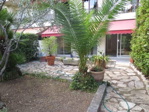 Appartement Colombo : Apartment near Saint-André-de-la-Roche